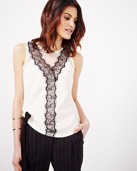 Sleeveless T-shirt With Lace