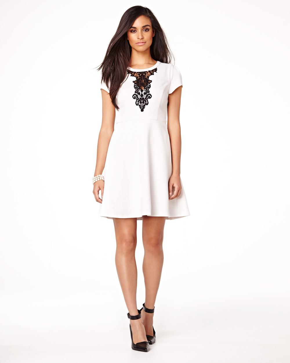 Robe blanche dentelle canada
