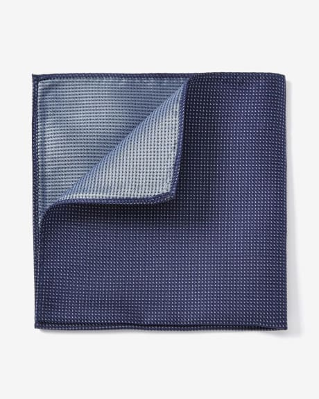 POCKET SQUARE IN TEXTURED MICRO TRIANGLE PATTERN