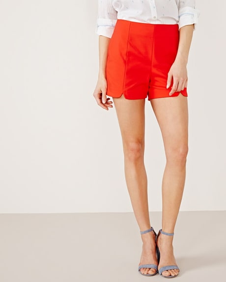 Modern Chic high-waisted short