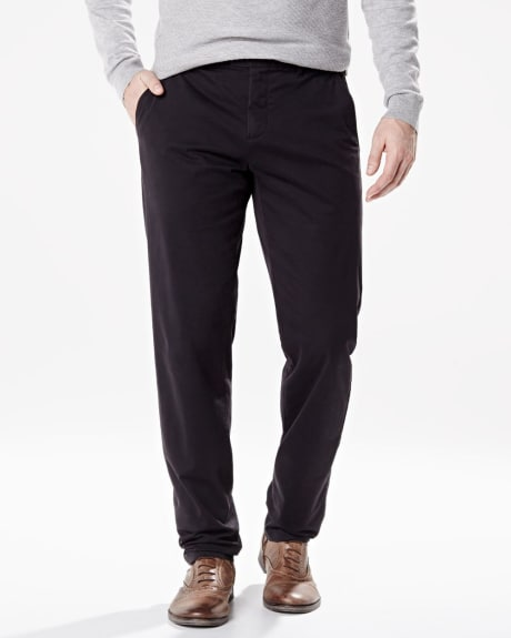 Athletic fit chino pant with slash pockets