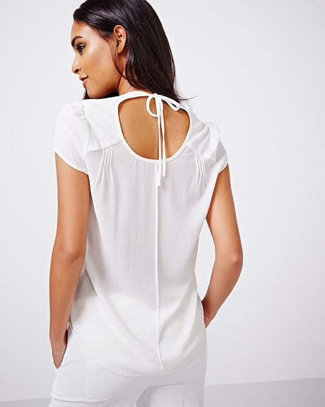 Cap sleeve crepe blouse with cutout