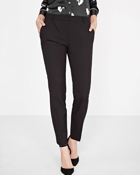 Everyday Stretch Signature Slim leg ankle pant in black