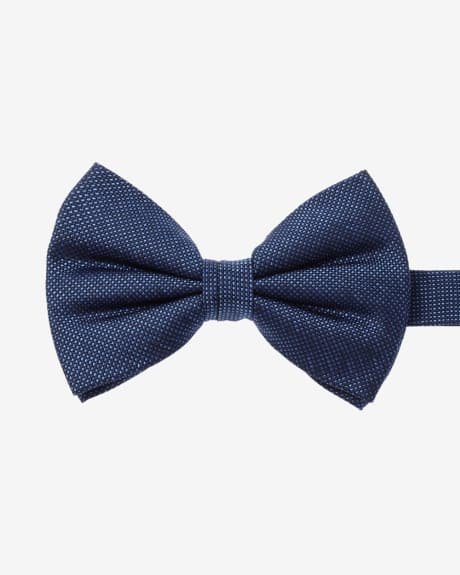 Wide two-tone bow tie