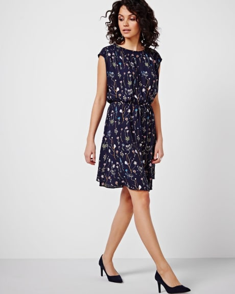 Boat Neck Dress With Frills
