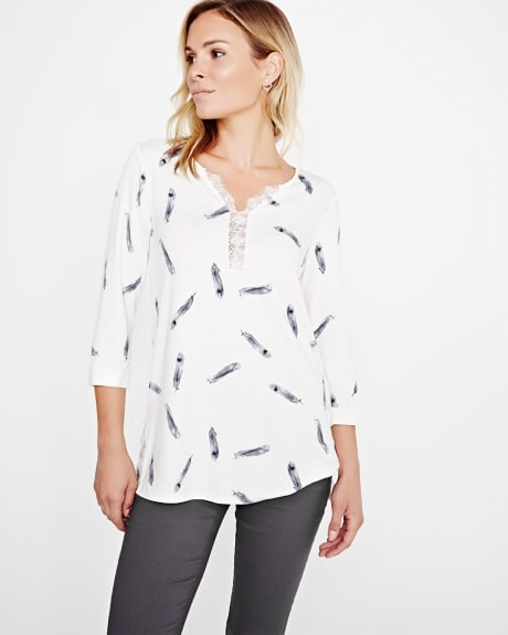 Printed henley t-shirt with lace
