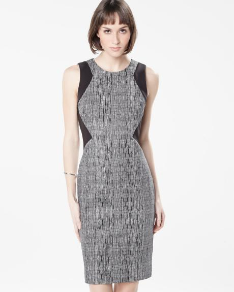 Printed form-fitting sleeveless dress
