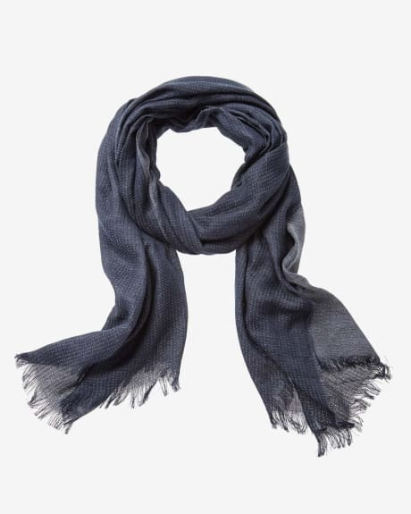Light men's scarf