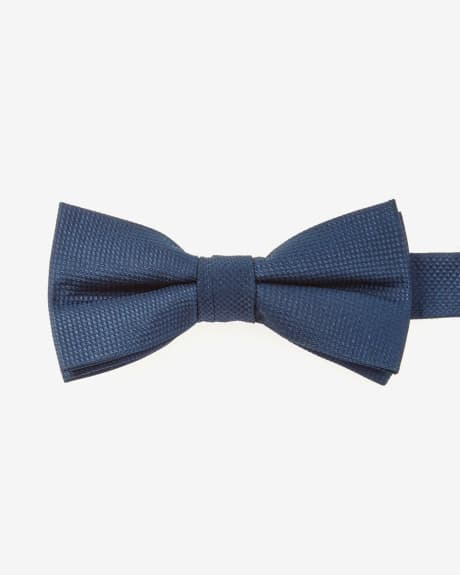 Classic textured two-tone bow tie