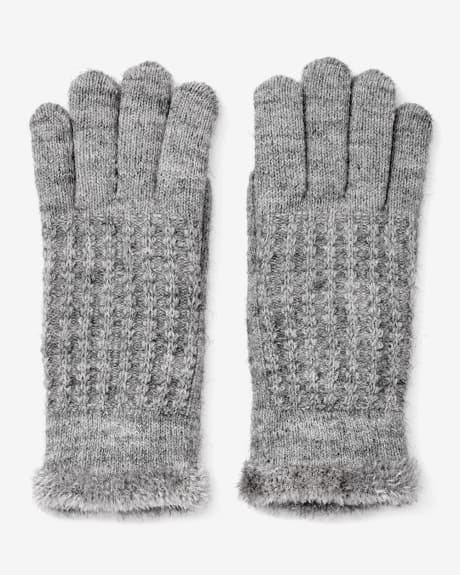 Chenille-lined gloves