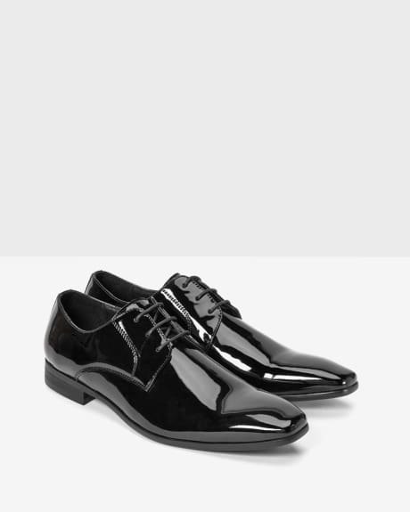 Patent leather dress shoe