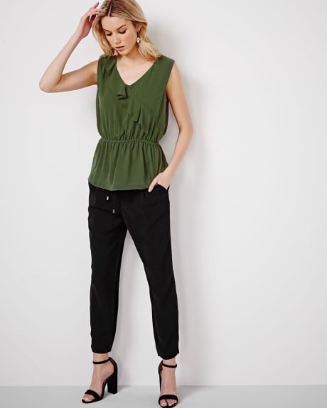 Flowy pleated pant with drawstring