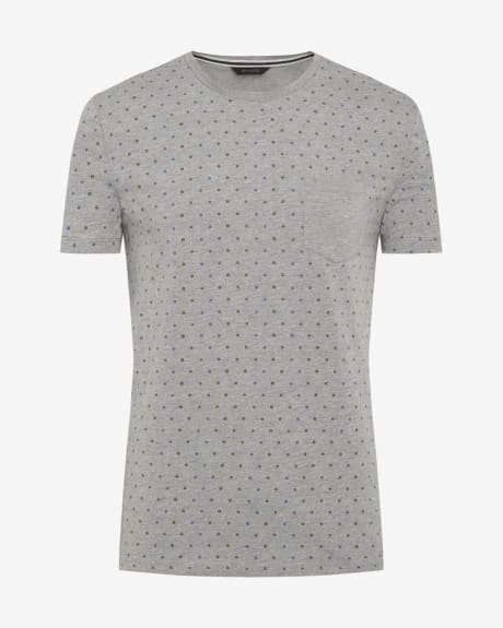 Allover print t-shirt with solid pocket
