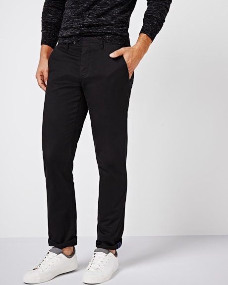 Athletic fit slash pockets chino pant