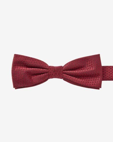 Skinny red textured bow tie