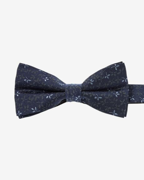 Classic Bow Tie in Blue Floral Motif