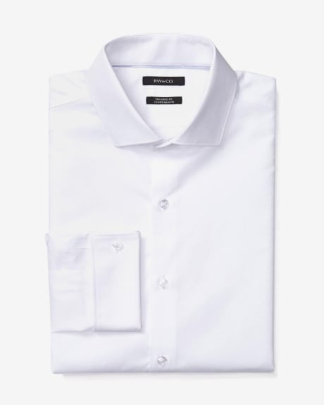 Tailored fit textured dress shirt