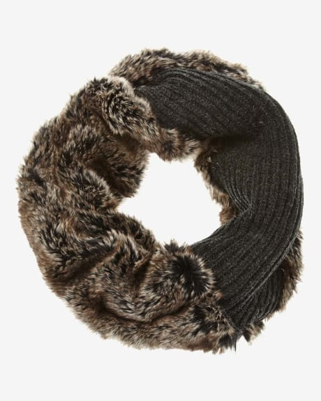Infinity Scarf with faux fur