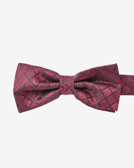 Classic bow tie in red square check