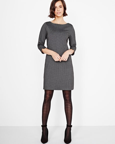 Fitted dress with 3/4 sleeve
