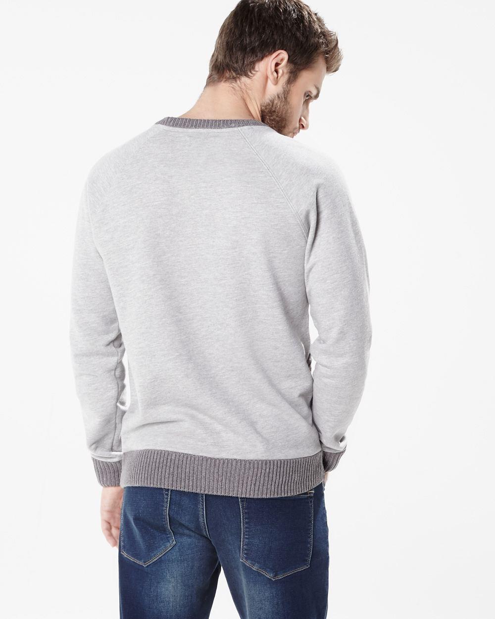 Le raglan  A 43 cm de hauteur. Tricoter comme la manche droite en inversant  les diminutions du raglan. Col  une fois les raglans cousus,. Bon tricot !! 36c5108a3446