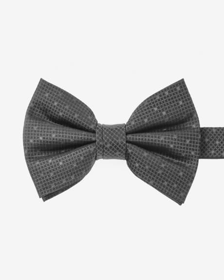 Wide black textured bow tie