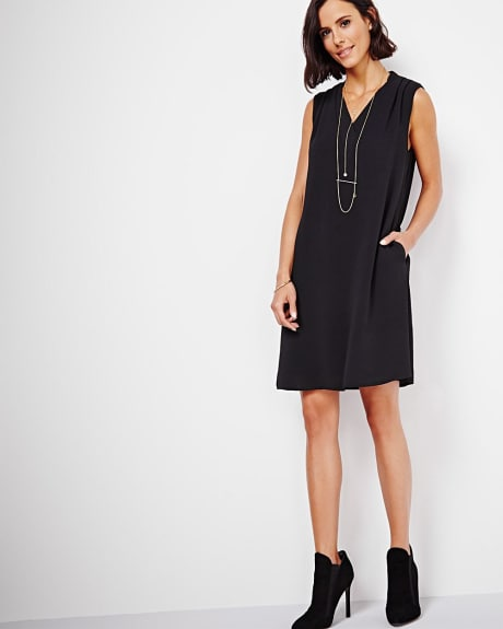 Granular shift dress with tie