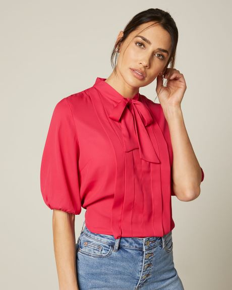3/4 sleeve Pleated blouse with neck tie