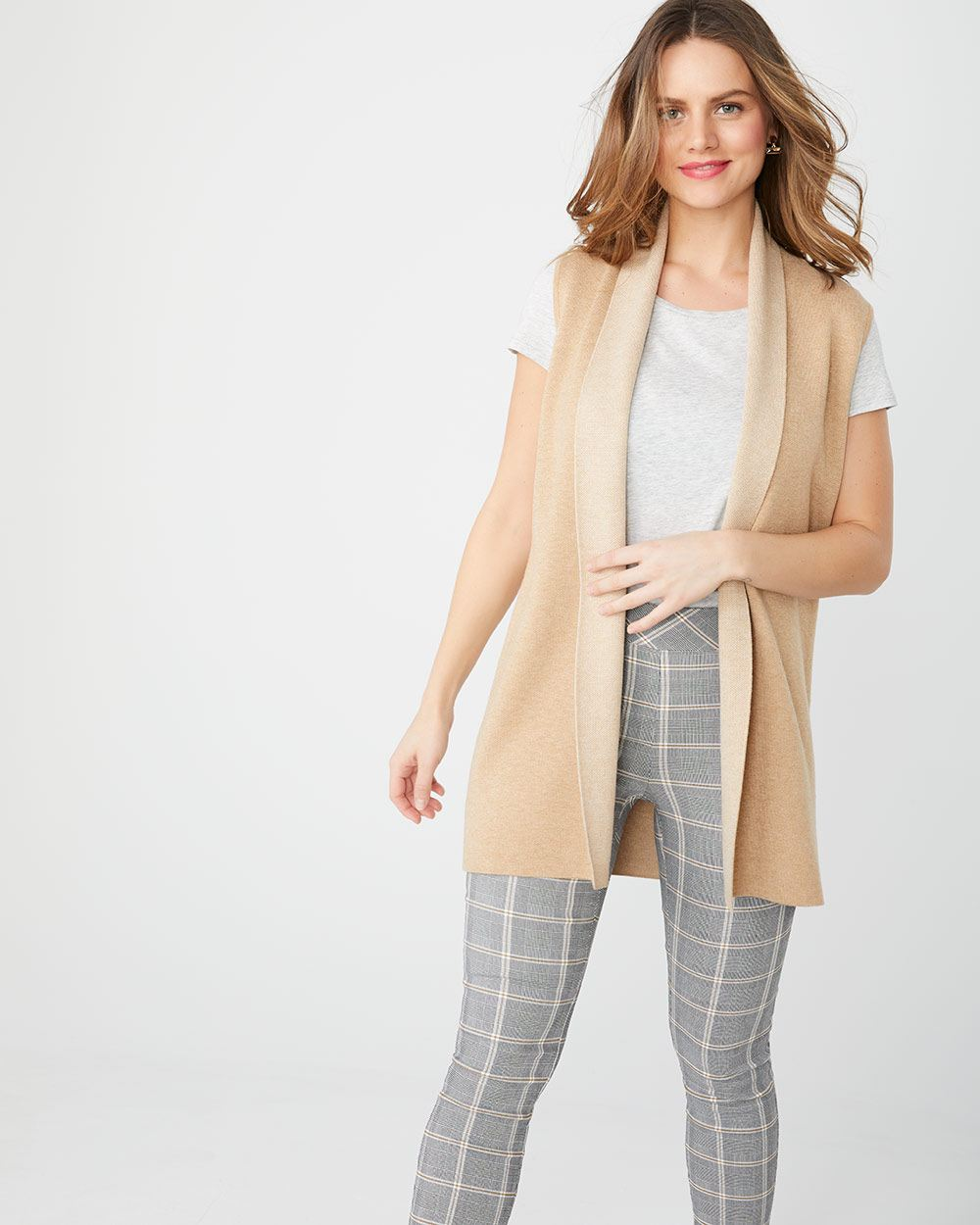 Sleeveless open-front two-tone cardigan