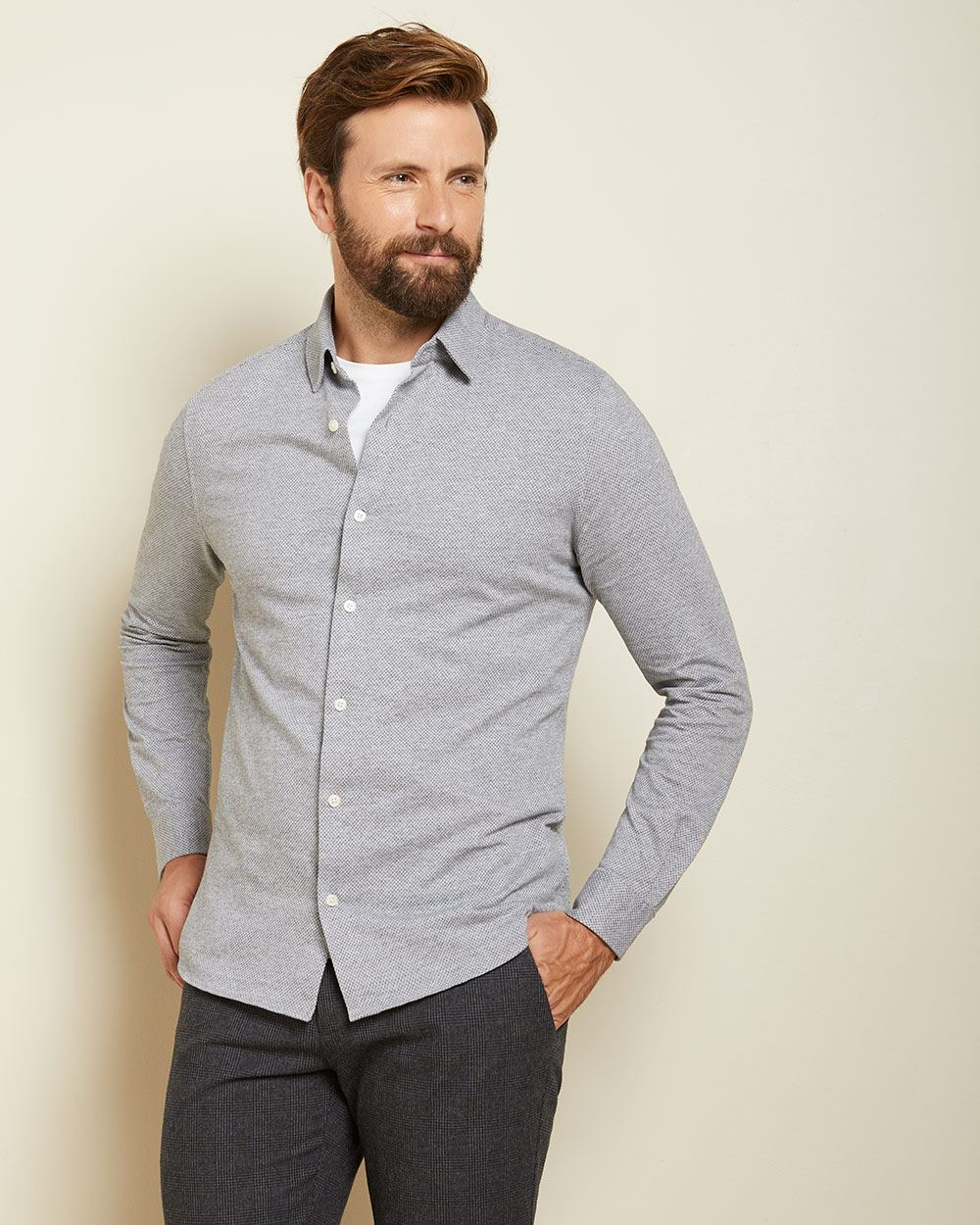 Slim fit patterned knit shirt