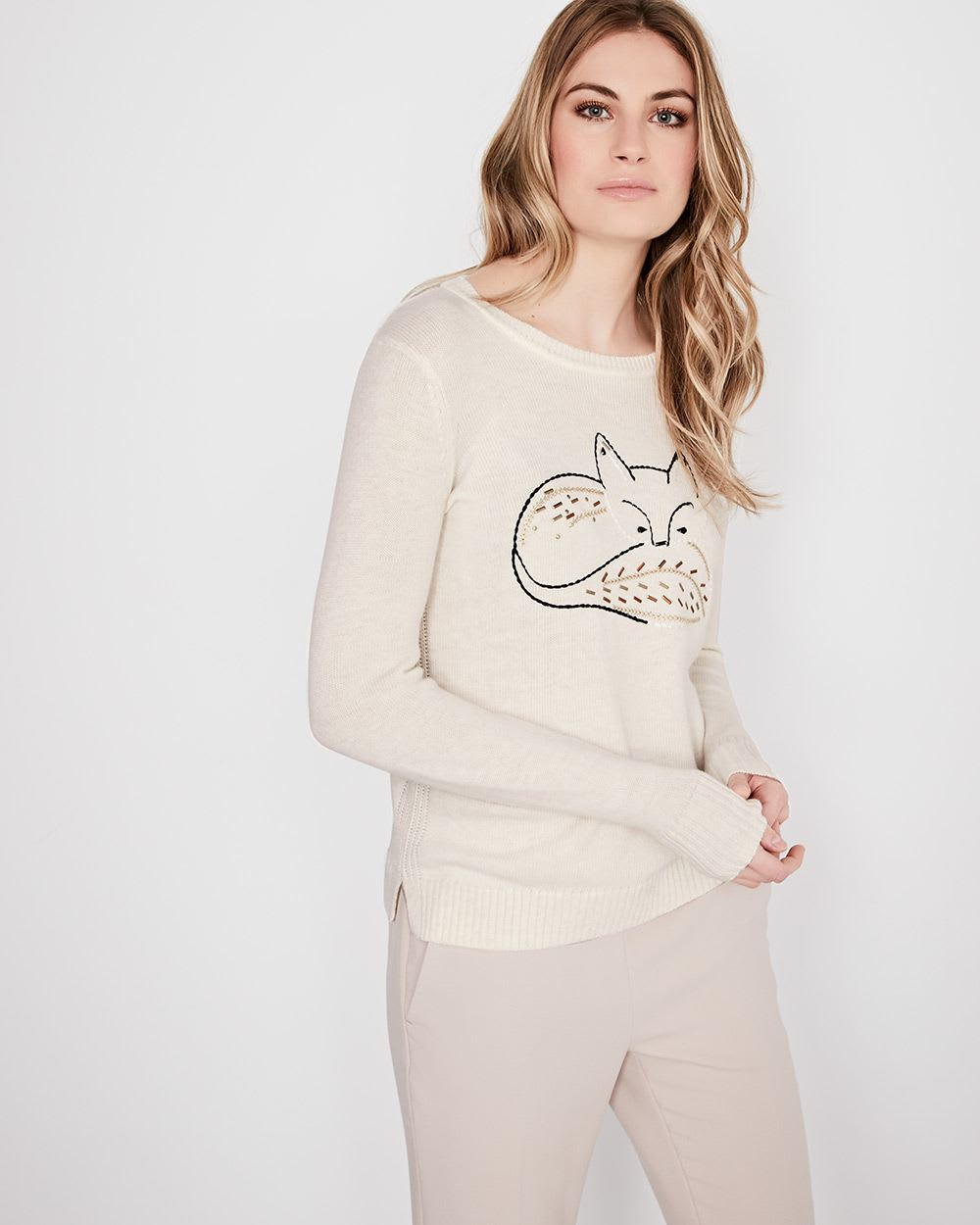 Cashmere-like Sweater with fox embroidery