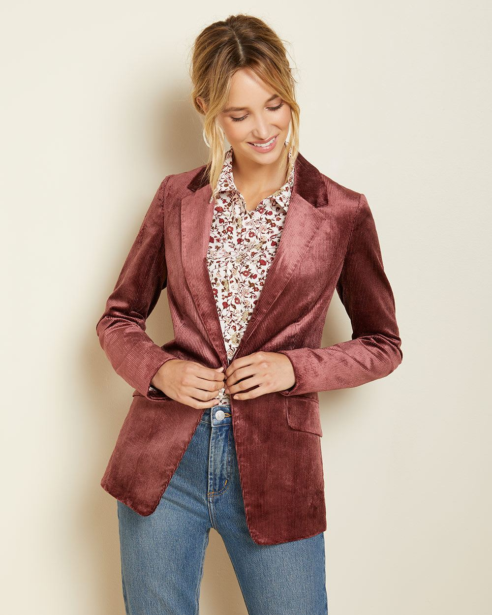 Long fitted corduroy blazer