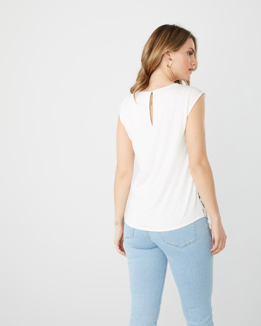Mixed media extended sleeve t-shirt with front pleat