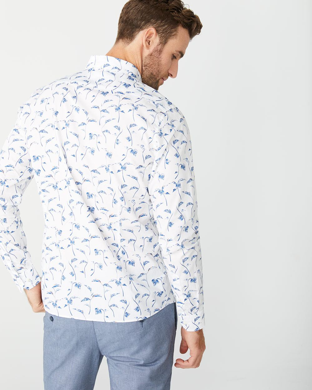 Tailored fit blue foliage shirt