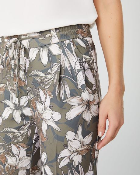 Floral pleated ankle length pant with drawstring