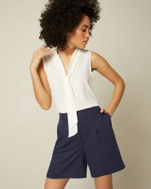 High-Waist Textured Short