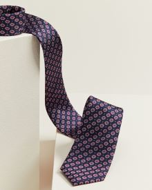 Regular navy with geo pattern tie