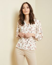 Puffy sleeve V-neck blouse