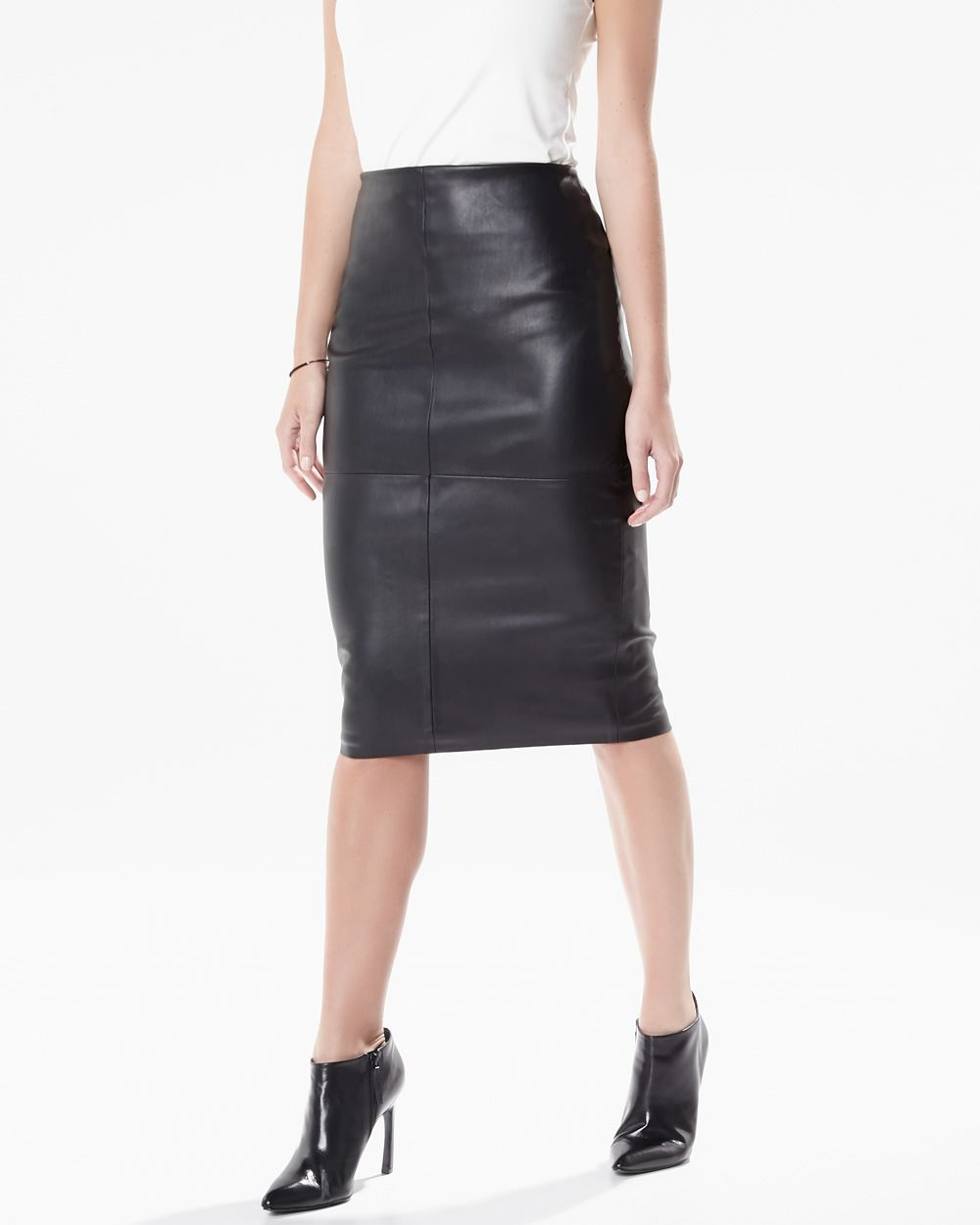 Free shipping and guaranteed authenticity on Matty M Black Vegan Leather Pencil Skirt Size 6 (S, 28)Great little vegan leather knee-length skirt. Form.