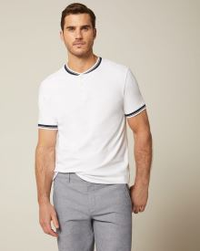 Short sleeve piqué henley t-shirt