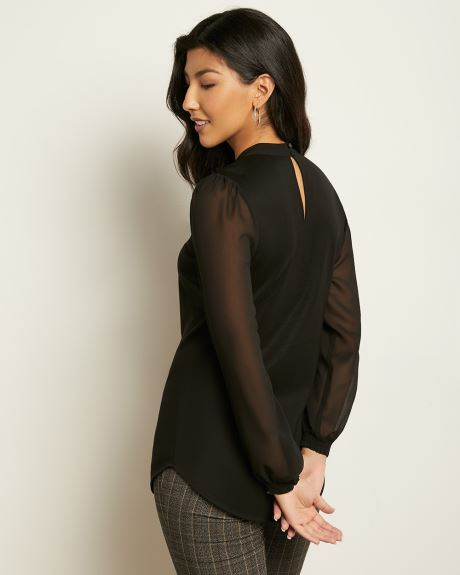 C&G Black Chiffon Sleeve Tunic Top