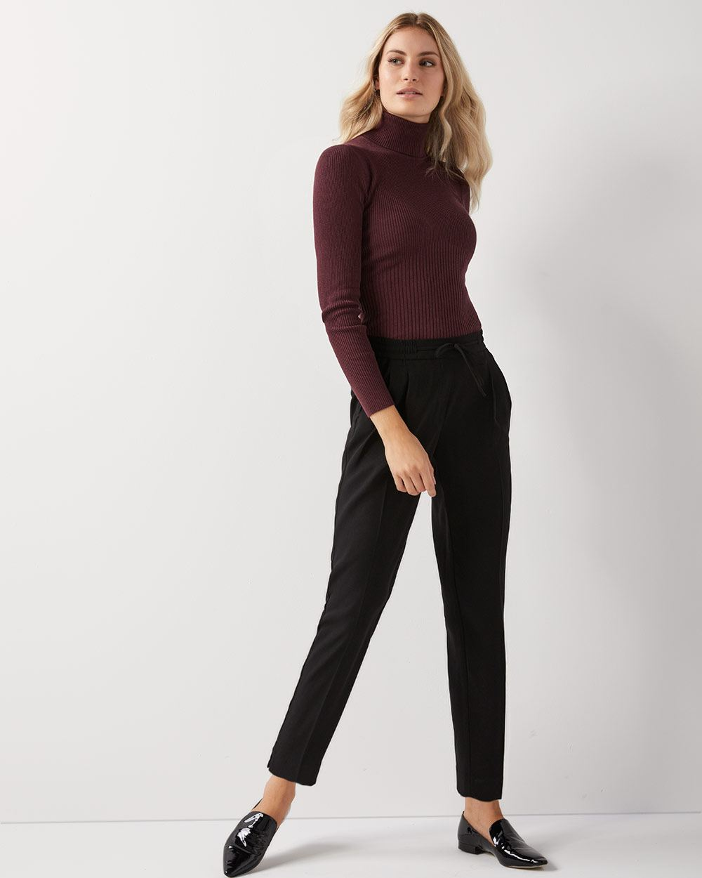 Solid pleated ankle length pant with drawstring