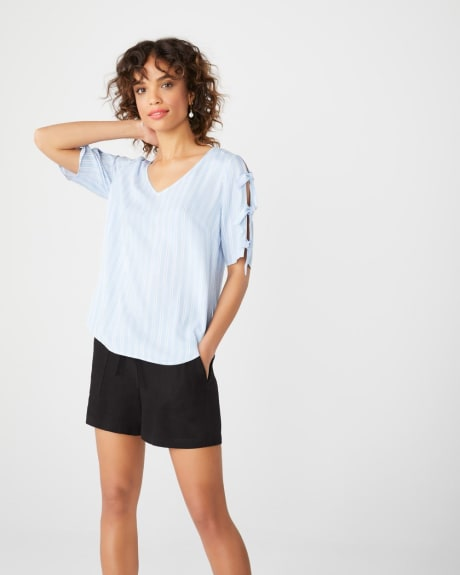 Knotted sleeve blouse
