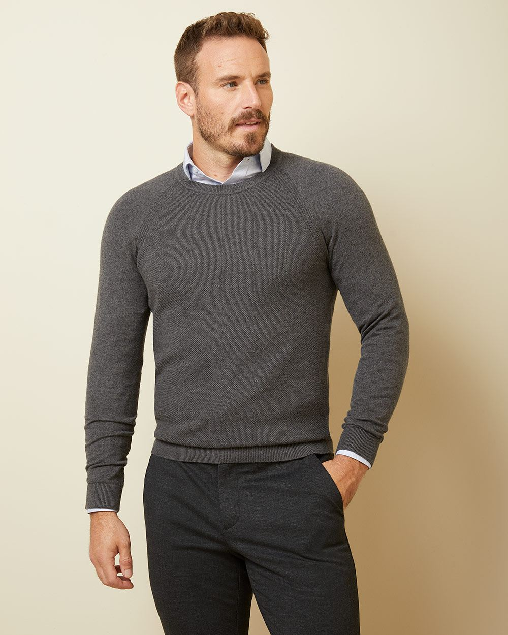 Raglan sleeve crew-neck sweater