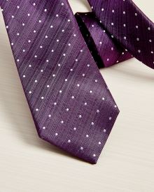 Regular dotted purple tie