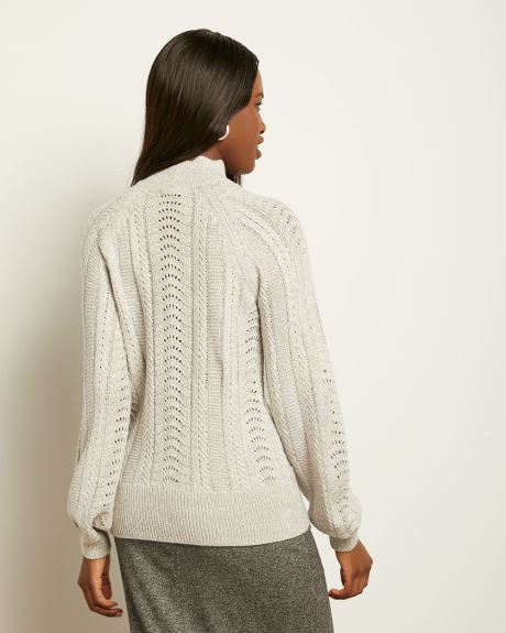 Scalopped Neck Raglan Sweater