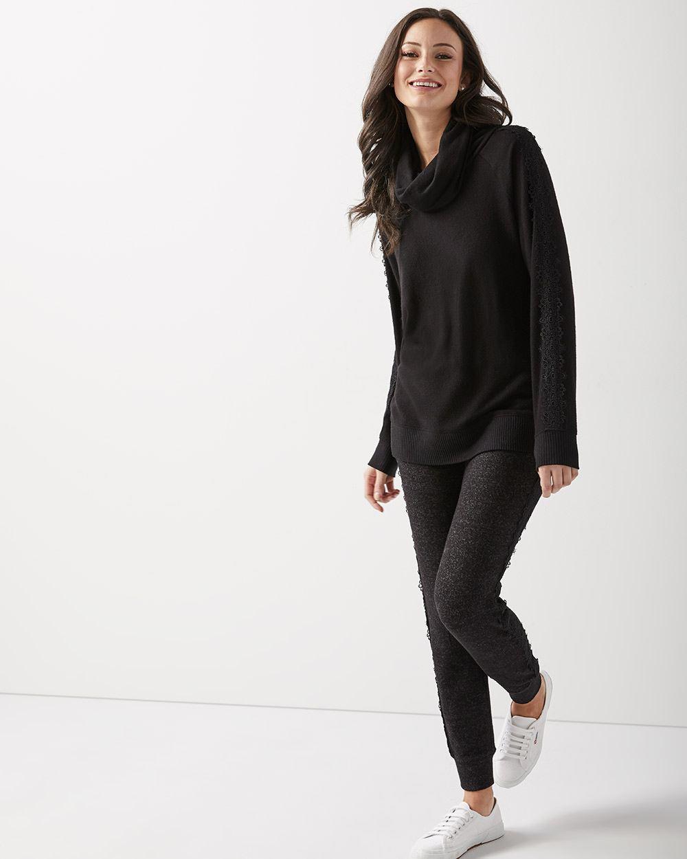 Lace-trimmed Loungewear turtleneck t-shirt  2dee855a3