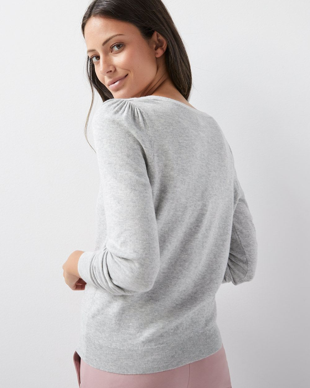 V-neck Cardigan with pockets