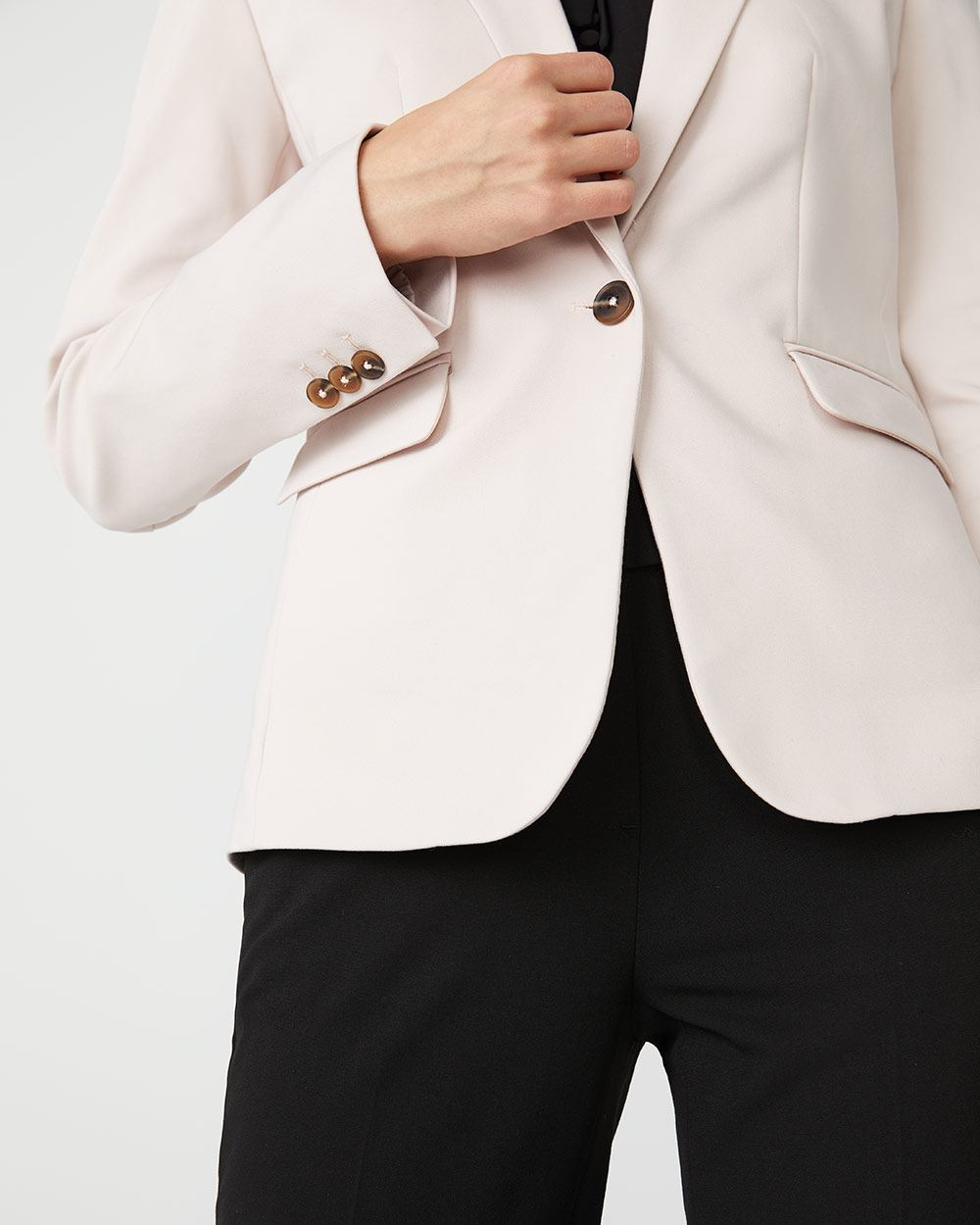 Fitted Modern chic blazer