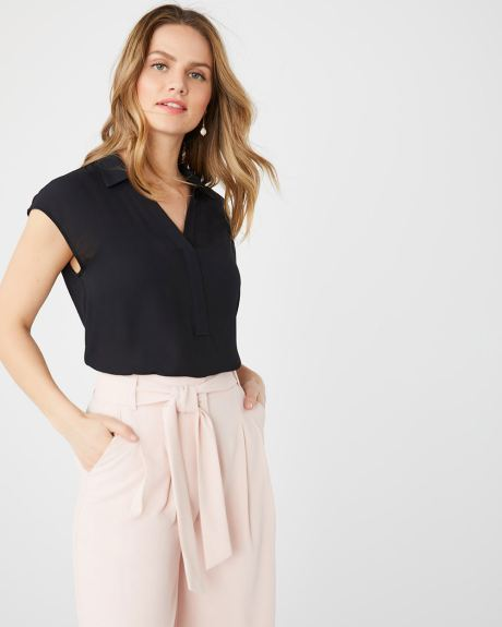 c85608187d Women's Blouses & Tops - Shop Online Now | RW&CO. Canada